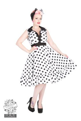 Polka Dot flared dress Str 36-46 Kr 590-,